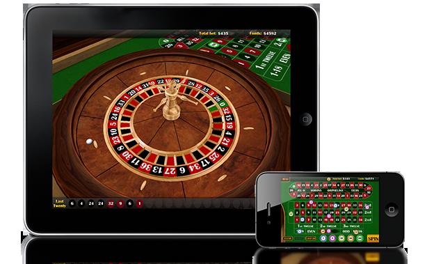 Un tablet ed uno smartphone con software di roulette sullo schermo per giocare online